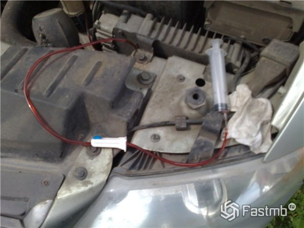 Откачать масло из двигателя