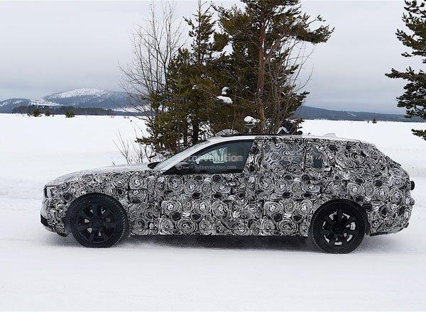 BMW 5 Series, вид сбоку