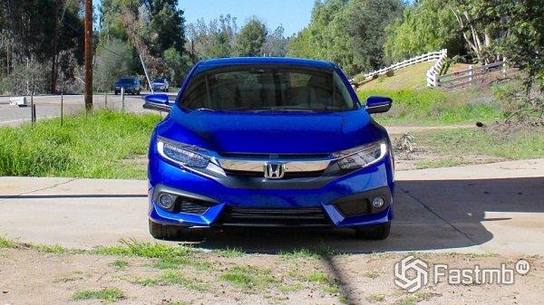 Honda Civic Coupe - вид спереди