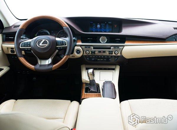 Интерьер Lexus ES 250 2016