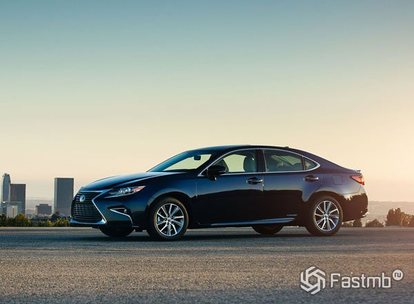 Lexus ES 250 2016, вид сбоку