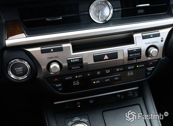Аудиосистема Lexus ES 250 2016