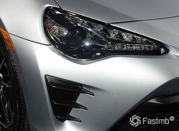 Передняя оптика Toyota 86