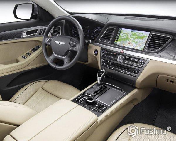Интерьер Hyundai Genesis