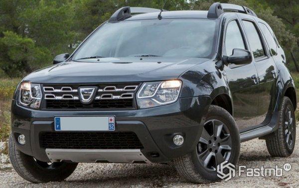 Dacia Duster, вид спереди