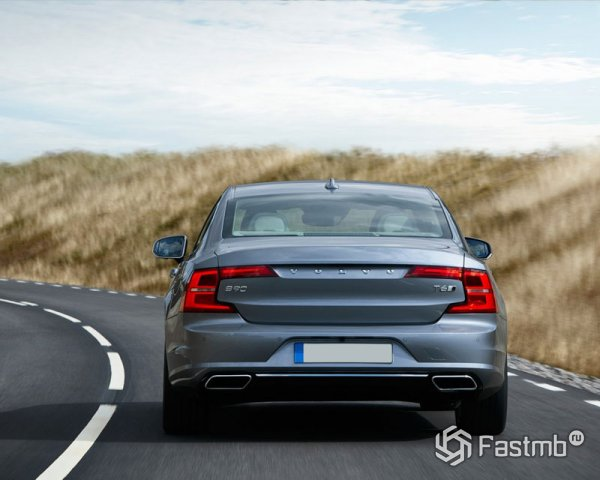 обновленная задня оптика Volvo S90