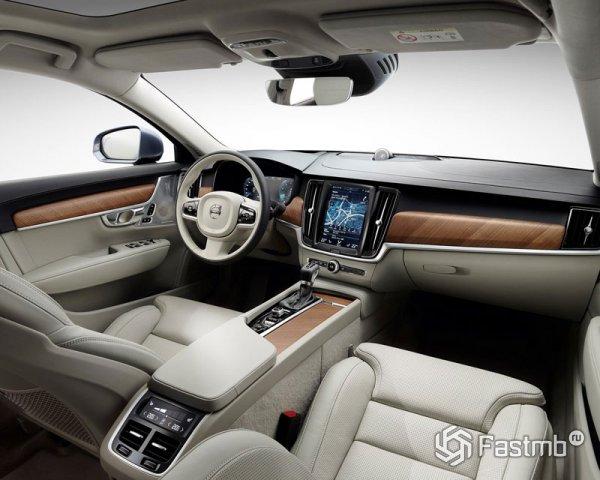 Передняя панель Volvo S90
