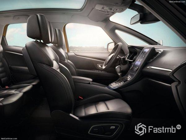 Renault Scenic 2017 - передний ряд сидений