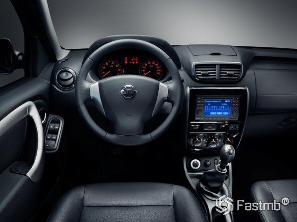 Новый Террано - рулевое колесо и панель навигации
