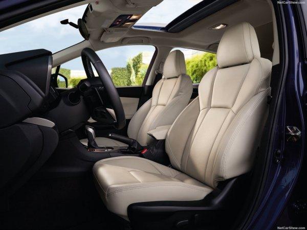 Новая Subaru Impreza, передние сидения
