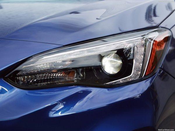Новая Subaru Impreza, передние левые фары