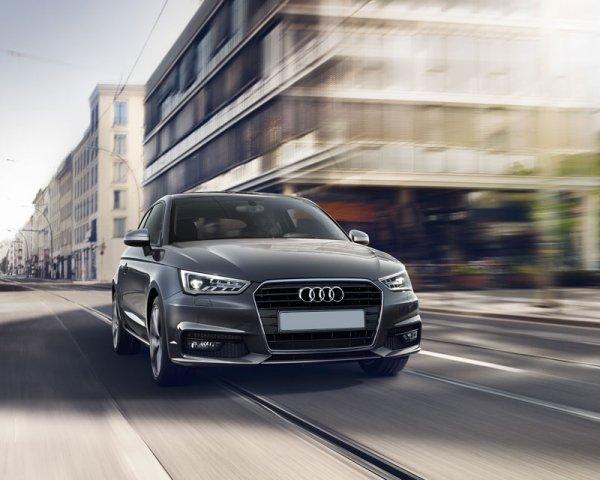 2016 Audi A1, вид спереди