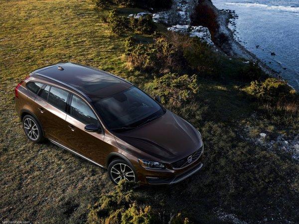 Volvo V60 Cross Country нового поколения, вид сверху