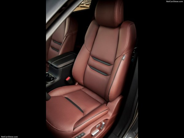 Кожаное кресло Mazda CX-9 2016