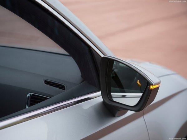 Зеркало заднего вида на Seat Ateca