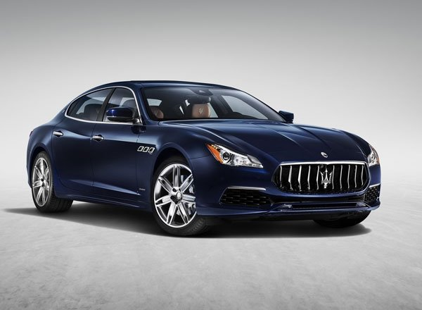 Maserati Quattroporte 2017, вид спереди