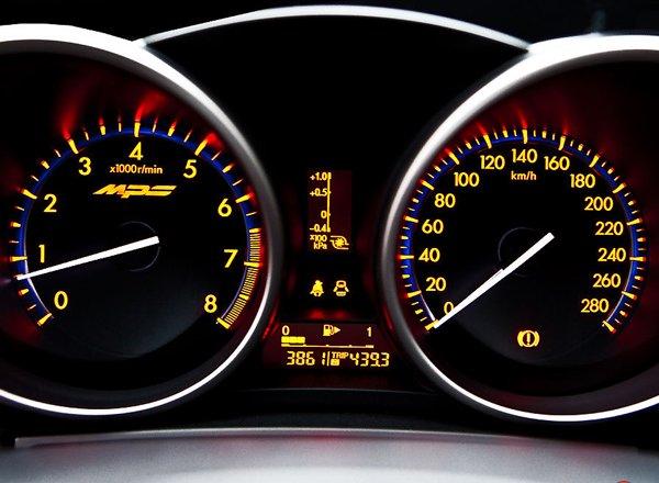Панель приборов Mazda 3 MPS