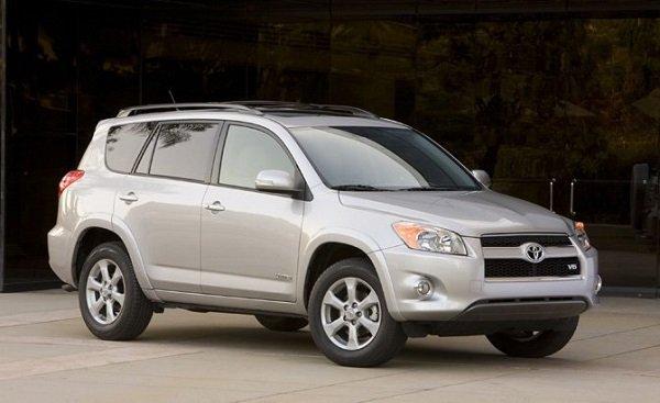 Более 135 тыс. моделей Toyota RAV4 будет отозвано в России