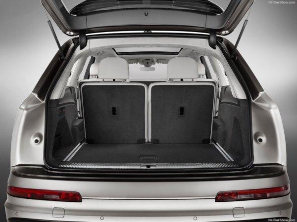 Ауди Q7 2016, багажник