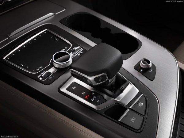 Audi Q7 2016, КПП