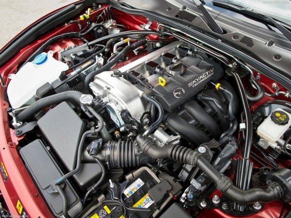 Мазда MX-5 2016 года, двигатель