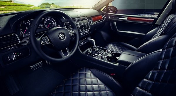 Интерьер Volkswagen Touareg R-line