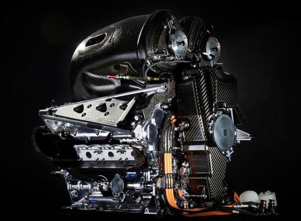 Двигатель болида Mercedes