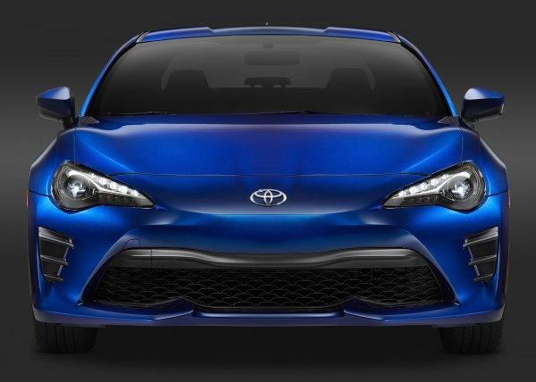 Toyota 86 2017, вид спереди