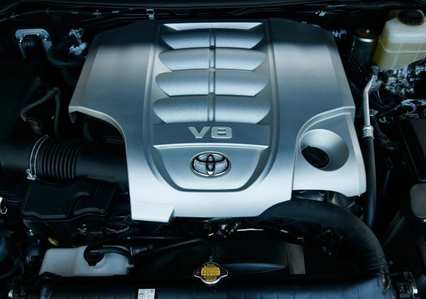 Двигатель V8 Toyota Land Cruiser