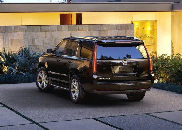 Cadillac Escalade, вид сзади