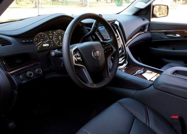 Водительское место Cadillac Escalade 2016