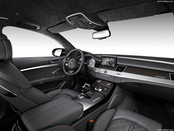 Audi S8 plus 2016, руль и водительское сидение