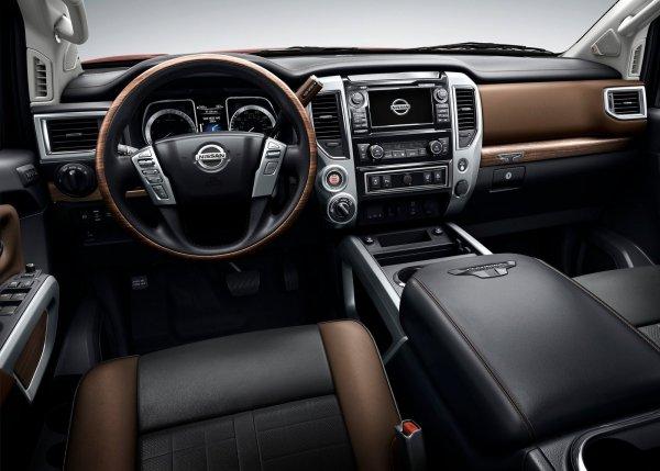 Интерьер Nissan Titan XD