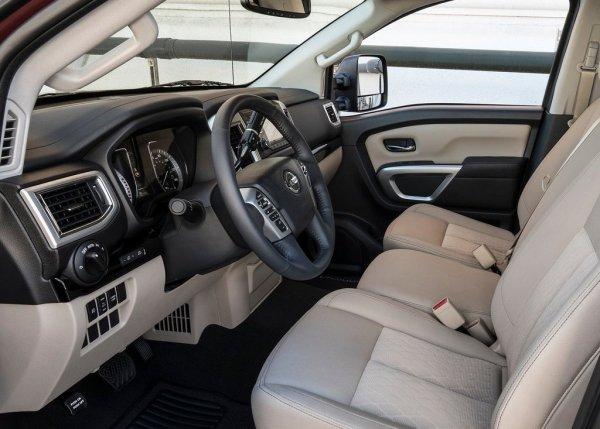 Интерьер Nissan Titan Single Cab 2017