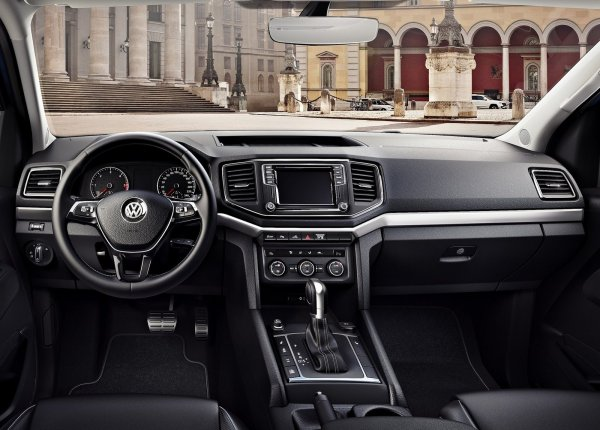 Интерьер Volkswagen Amarok 2017