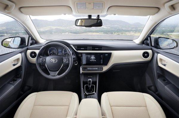 Обновленный интерьер Corolla