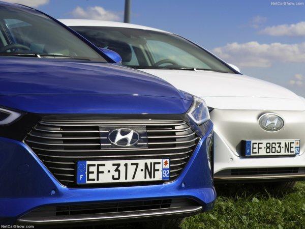 Разные версии Hyundai Ioniq 2016