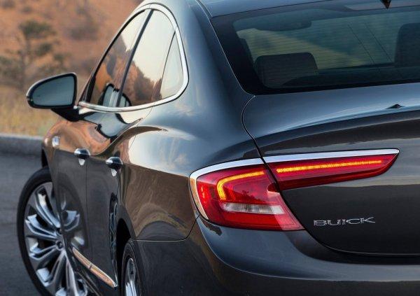 Новая генерация Buick LaCrosse 2017