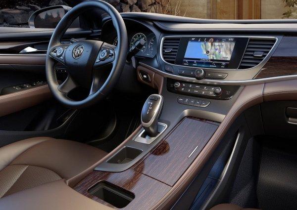 Интерьер нового Buick LaCrosse 2017