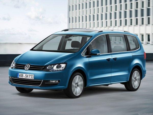 Volkswagen Sharan 2016, вид спереди и сбоку слева