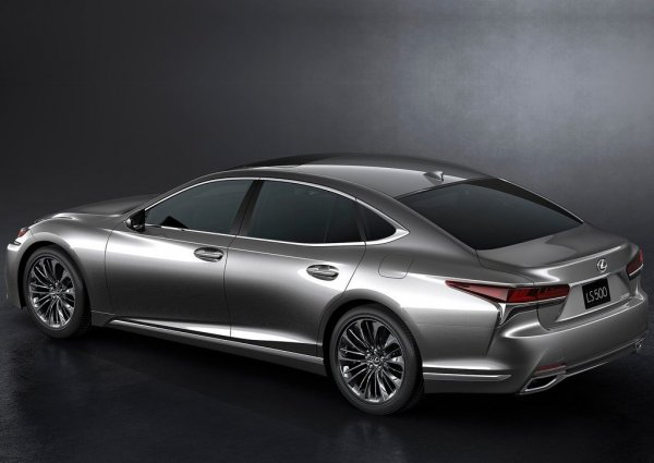 Lexus LS 500 2018, вид сзади