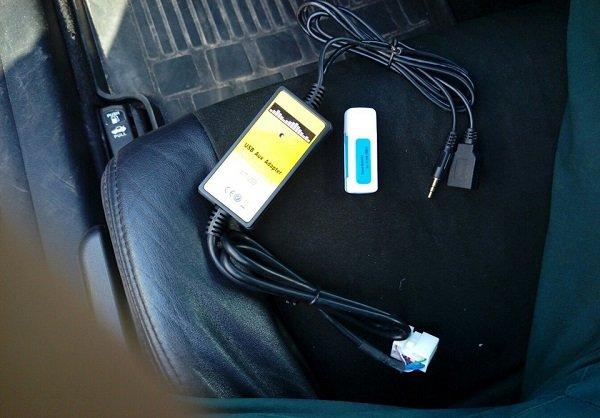 Как подключить телефон к магнитоле через Блютуз Аукс и ЮСБ