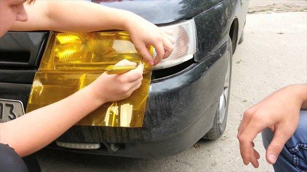 Как затонировать фары автомобиля пленкой