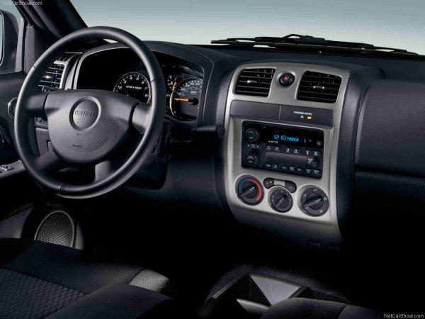Isuzu Pickup 2008, руль и панель управления