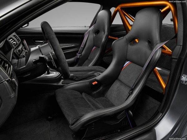 БМВ M4 GTS 2016 года, передние сидения
