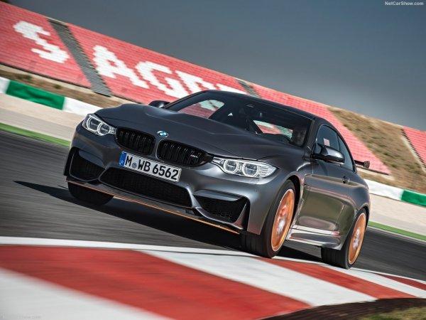 BMW M4 GTS 2016, вид спереди и сбоку слева
