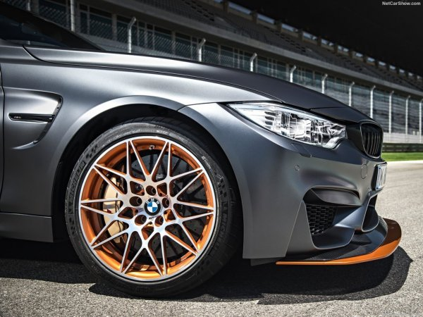 BMW M4 GTS 2016, правое переднее колесо