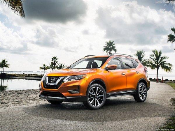 Nissan Rogue 2016-2017 - фото спереди