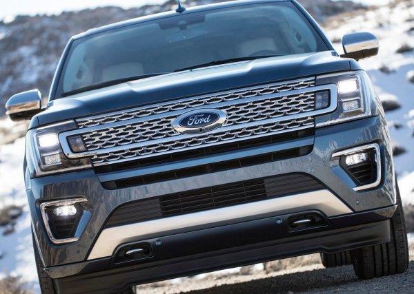 Внедорожник Ford Expedition 2017-2018 спереди
