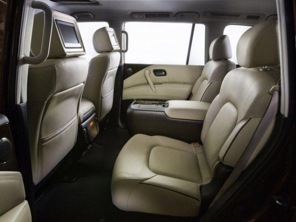 Второй ряд сидений Nissan Armada
